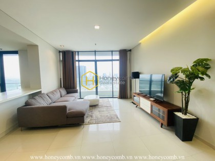 A spacious apartment with open living space in City Garden