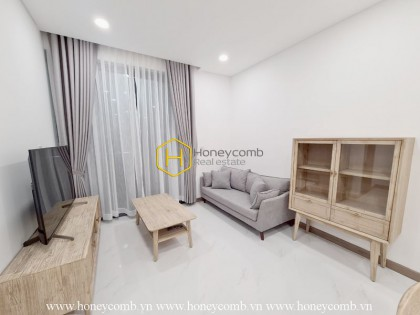 An airy and sophisticated apartment in Sunwah Pearl is in front of you!