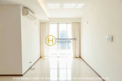 Embracing the beauty of the white tone in this unfurnished apartment in Thao Dien Pearl