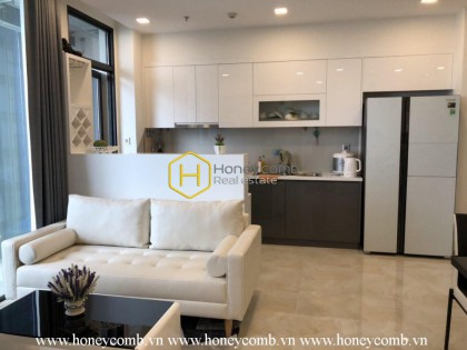 This 2 beds apartment is a combination of lightness and classic in Vinhomes Golden River