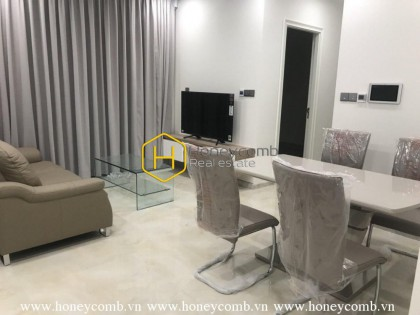 The modern 2 bedrooms-apartment is waiting the tenant in Vinhomes Golden River