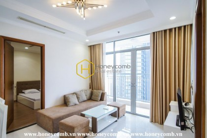 Highly elegant living space and riverside view in Vinhomes Central Park apartment