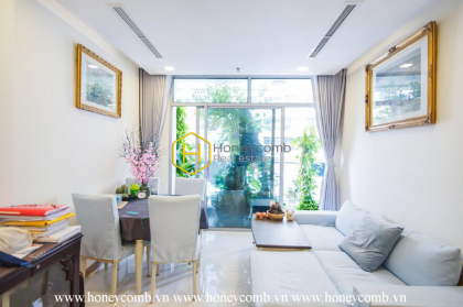 An amazing 2-bedroom apartment in Vinhomes Central Park : Best choice ever!