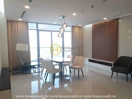 Explore brilliant city view with this amazing 4 bedrooms apartment in Vinhomes Central Park