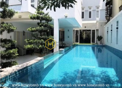Experience the aesthetic villa with spacious pool and garden for rent in District 2