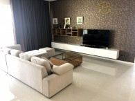 Good furnished 3 beds apartment in The Estella for rent