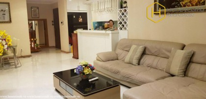 Commodious with 4 bedrooms apartment in Vinhomes Central Park