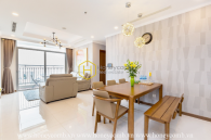 Feel the fresh morning with this stunning apartment in Vinhomes Central Park ! Await you now !