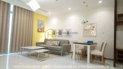 Simple decorated with 1 bedroom apartment in Vinhomes Central Park for rent