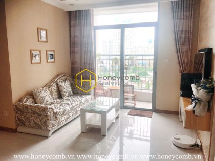 Feel the convenience in this simplified design apartment for rent in Vinhomes Central Park