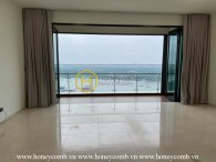 Unfurnished D'Edge apartment with pure white layout will make you impressed