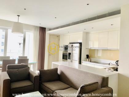 A seductive grey, black and brown tone decor in Diamond Island apartment