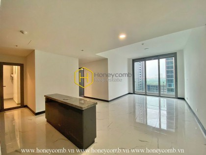Embracing the beauty of the white tone in this unfurnished apartment in Empire City