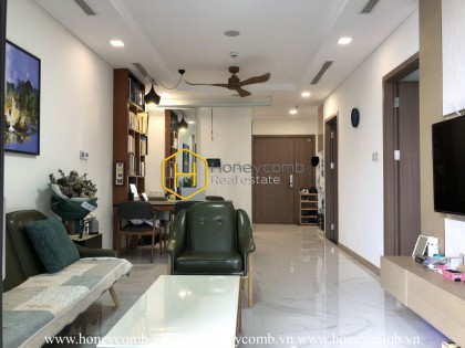 Colorful and modern furnished apartment with prime location in Vinhomes Landmark 81