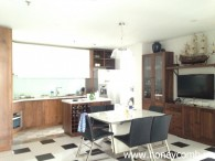 Nice clean 2 bedrooms apartment for rent in Tropic Garden