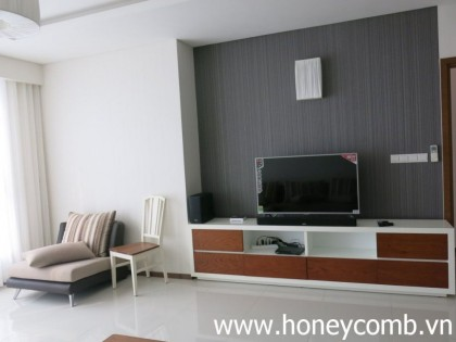 3 bedrooms apartment for rent in Thao Dien Pearl, high floor