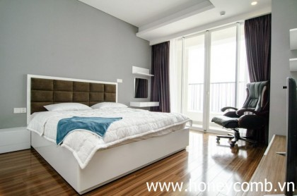 Modern style 3 beds apartment for rent in Thao Dien Pearl