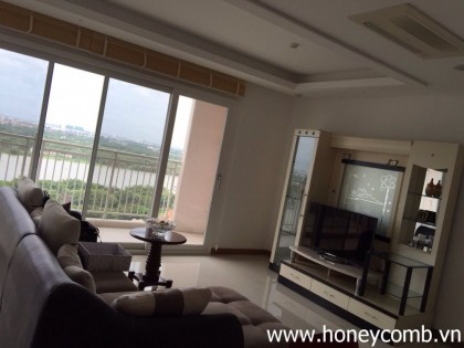 nice furnished 3 beds apartment for rent in Xi Riverview