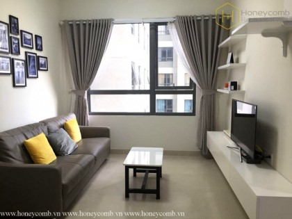 Simple furnished 2 beds apartment with pool view in Masteri Thao Dien