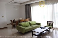 Simple style with 3 bedrooms apartment in Xi Riverview Palace for rent