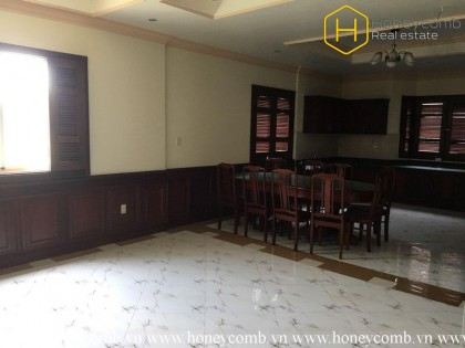 The classical serviced apartment with 2 bedrooms for leasing