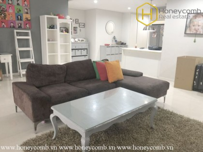 Exceptional style with this perfect 3 bedrooms apartment in The Estella
