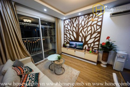 Blending wildest & sophistication to create this 2 bedrooms-apartment in Tropic Garden