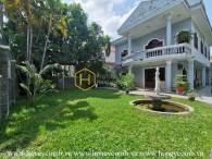 Decorate your own home: Spacious and unfurnished villa with airy garden in District 2 for lease