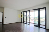 Personalize your style in this unfurnished D ' Edge  apartment with bright tone and spacious space