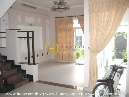 Unfurnished villa with bright design and spacious space  for lease in District 2