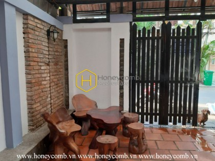 Enjoy the luxurious life with spacious living space, elegant wooden furnished villa for rent in District 2