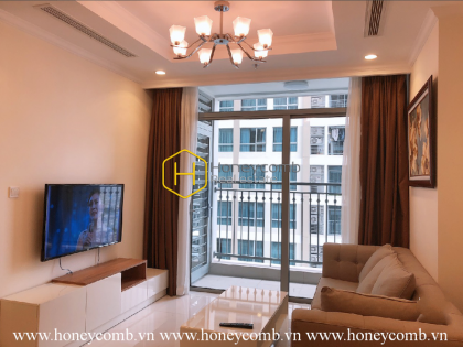 Explore urban energy with this modern apartment in Vinhomes Central Park for lease