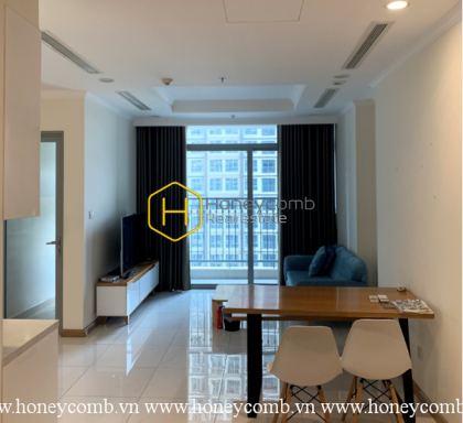 Gorgeous apartment in Vinhomes Central Park with pool view for rent