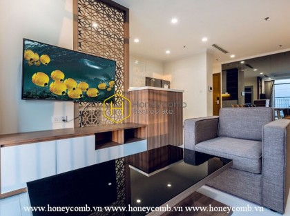 Briiliant and warm tone apartmemnt with spacious living space in Vinhomes Central Park