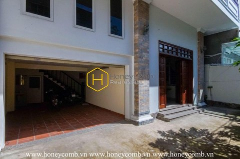 Semi-furnished villa with extremely airy and gorgeous space in District 2