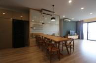 Căn hộ 3 phòng ngủ hiện đại với sàn cao ở The Estella heights