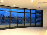 Unfurnished 2 beds apartment with brand new in City Garden for rent