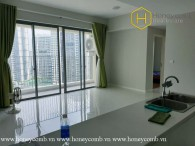 The wide 3 bedroom-apartment is very airy and fresh at Masteri An Phu