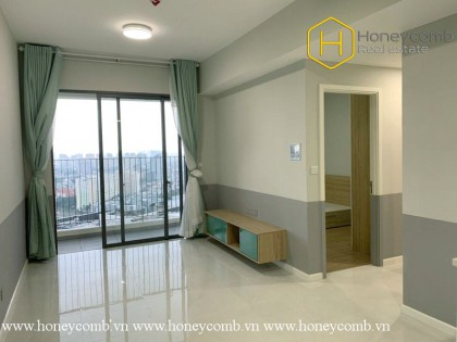 The wide and unfurnished 2 bed-apartment with nice view at Masteri An Phu