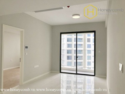 The spacious 1 bedroom without furniture at Masteri An Phu