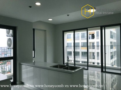The 2 bedroom-apartment without furniture is very spacious and airy at Masteri An Phu