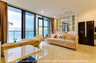 What a fascinating design ! Don't pass this beautiful apartment in Vinhomes Golden River