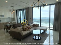 Feel the elegant in this superb apartment with full amenities for rent in Vinhomes Golden River