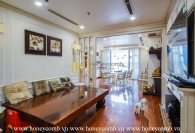 Discover luxurious apartment with Western Royal style in Vinhomes Central Park