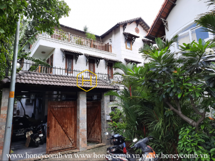 Beautiful rustic wooden villa for rent in District 2