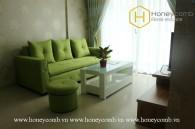 2 phòng ngủ căn hộ với sofa màu xanh dễ thương cho thuê tại Masteri