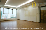 Don't wait anymore ! This sun-filled and spacious 3 bed-apartment without furniture is very hot at Thao Dien Pearl
