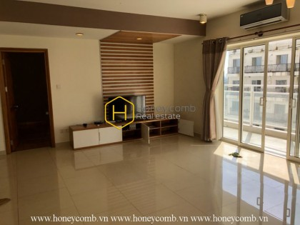 Sapcious apartment for rent in River Garden with a cozy atmosphere