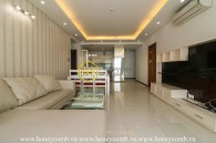 Simple style with 3 bedrooms apartment inThao Dien Pearl for rent