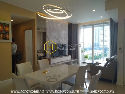 Gentle and elegant apartment in delicate white in Sala Sarimi